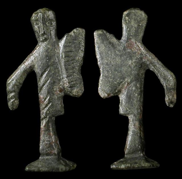celtic-figure-7107